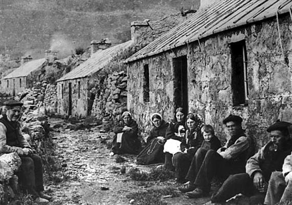 A fotó még az 1930-as évek, azaz a kitelepítés előtt készült.