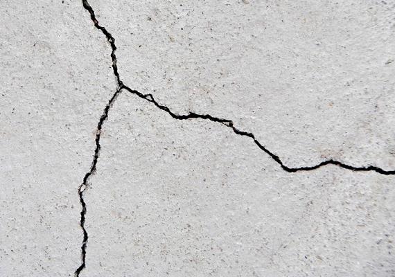 A Konzuli Szolgálat arra is figyelmeztet, hogy az ország fekvése miatt előfordulhatnak kisebb földrengések, a 2014-ben és 2015-ben mért adatok szerint emellett elképzelhető, hogy Zágrábban az eddigieknél erősebb is várható. A jobb félni, mint megijedni elméletének jegyében érdemes ezért előre tájékozódni arról, mi a teendő ilyen esetben: erről, illetve minden további fontos szabályról ide kattintva találsz információt.