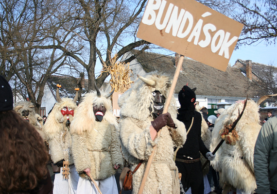 A busójárás tipikus magyar farsangi hagyomány, melyet minden évben megrendeznek Mohács városában. 2009-ben az UNESCO felvette a szellemi örökségek listájára.