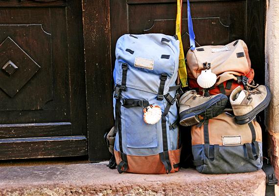 """""""Bizonyos, hogy minden igazi utazás értelme a hazajutás, s az ember megkezdi a hazatérést abban a pillanatban, amikor útra kel."""" Márai Sándor"""