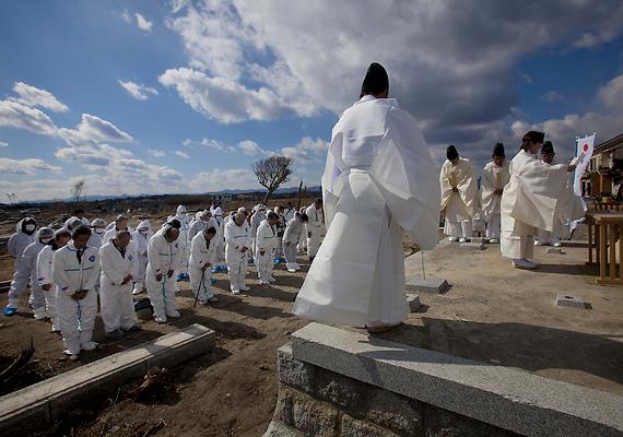 Az egyéves évforduló alkalmából több helyen is megemlékezést tartottak: a katasztrófaturisták mellett a sugárzásbiztos helyeket a hozzátartozók, egykor itt élők is rendszeresen látogatják.