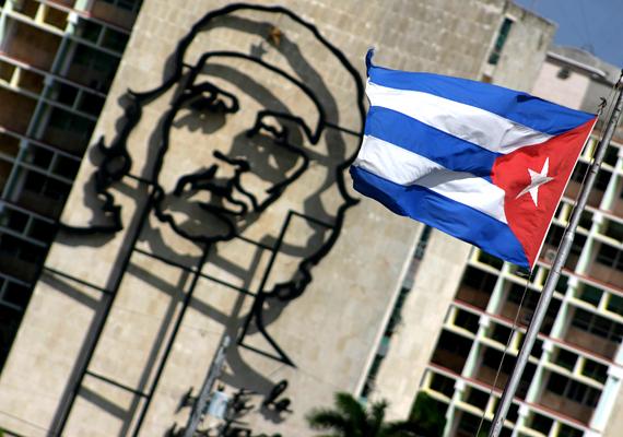 A Fidel Castro forradalmát támogató Che Guevara igazi népi hős Kubában.