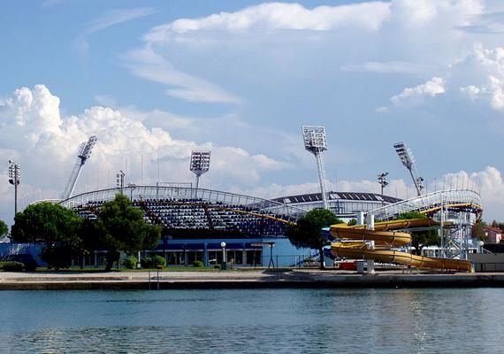 Umag évente megrendezett tenisztornájáról is híres. A képen a Stella Maris stadion látható.