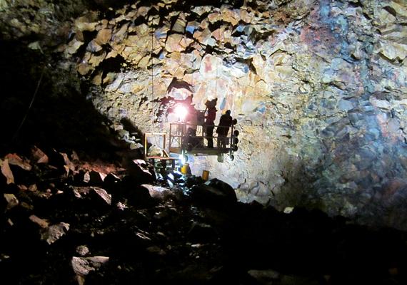 A vulkántúrák naponta négy időpontban indulnak, május közepétől szeptember elejéig. Kizárólag 12 éven felüliek jelentkezhetnek, illetve közepes erőnlét szükséges a túrához.