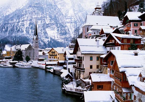 Az ausztriai Hallstatt télen olyan, mintha porcukorral borították volna be. Kattints ide a háttérképért!