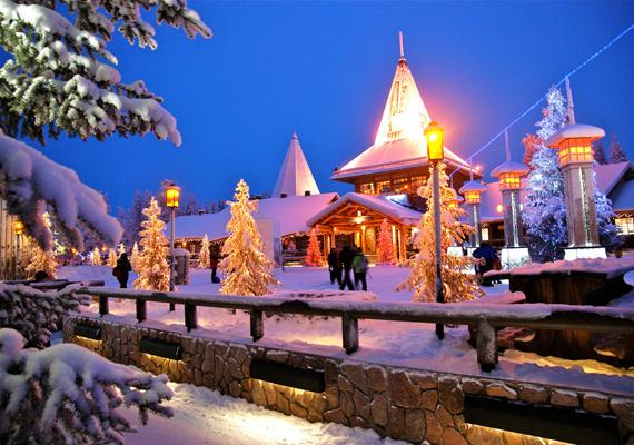 A finnországi Rovaniemi Lappföld fővárosa, melyet az emberek egyszerűen Télapófalvaként emlegetnek, hiszen a városközponttól északra található a Mikulás háza.