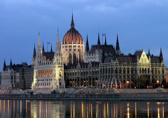 A legnépszerűbb magyar város nem meglepő módon Budapest lett, pontosan 6 598 989 vendégéjszakával.