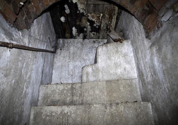 A föld alatti rendszer egykor kórházakat, éttermeket, iskolákat, színházakat, farmokat és gyárakat is magáénak tudott.