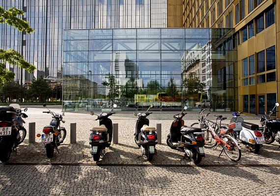 A művészetek sokszínűségéről híres, multikulturális német nagyváros, Berlin a lista hatodik helyezettje.
