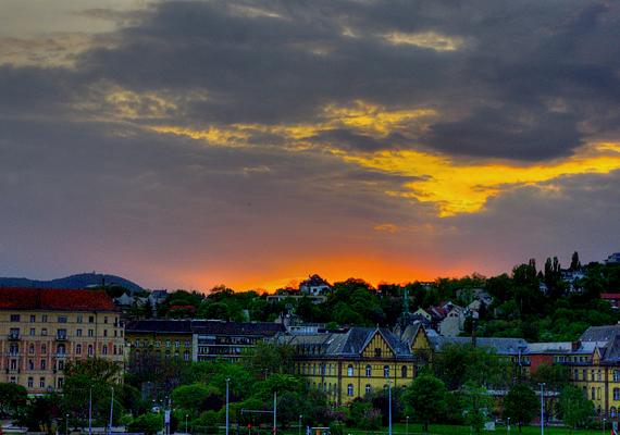 A Budapest második kerületében található Rózsadombot ma is népszerű remek, hegyvidéki elhelyezkedése miatt.