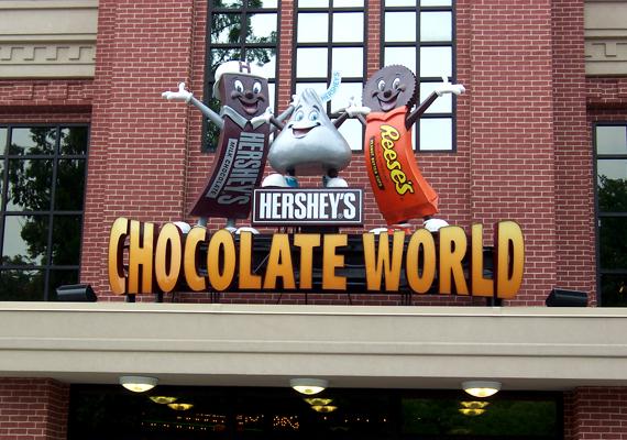 A Pennsylvaniában található Hershey Csokoládévilág a népszerű édességmárka által létrehozott élménypark, ahol minden a krémes finomság köré épül