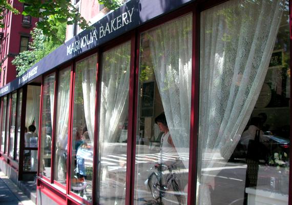 A híres New York-i pékség, a Magnolia Bakery előtt hosszú sorok kígyóznak nap mint nap, többek között a híres csokoládés édességek miatt.