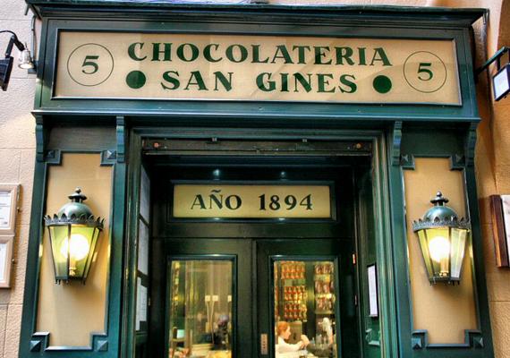 Madrid híres aprócska, de annál izgalmasabb csokoládéboltjairól. Közéjük tartozik a világhírű, nagy múlttal rendelkező San Ginés is.