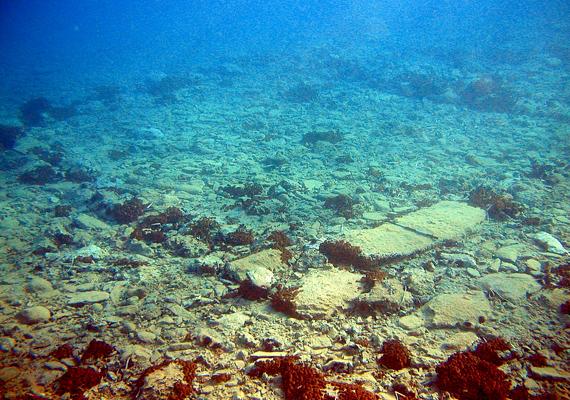 A görög Pavlopetri városát egykor a tengerszint emelkedése süllyesztette el. 15 épülete három-négy méterrel a víz alatt helyezkedik el.