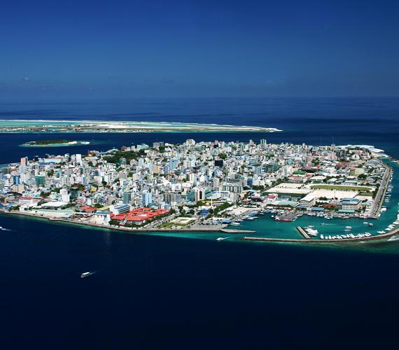 A globális felmelegedés miatt bekövetkező tengerszint-emelkedés a Maldív-szigetek fővárosát, Malét is nagymértékben fenyegeti.