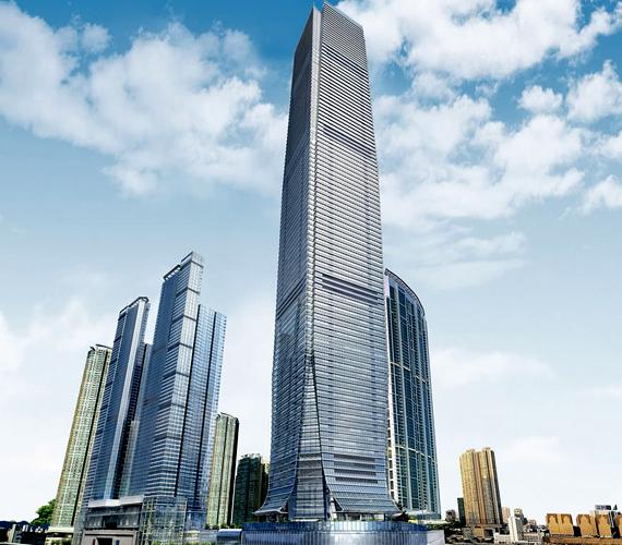 A hongkongi Nemzetközi Kereskedelmi Központ épülete 2010-ben készült el. 484 méter magas.