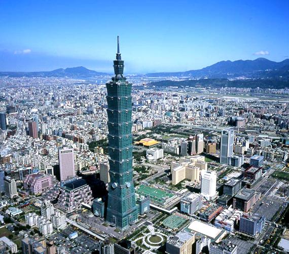 A tajvani, taipei Taipei 100 torony 2004-ben készült el, és 509 méteres magassággal tör az ég felé.
