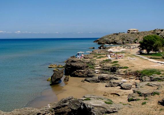 A görög Banana Beach-et az ország legjobb naturista strandjának tartják.