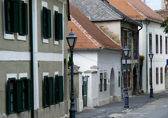 Bár kisvárosnak számít, az Alpokalja gyöngyszeme, a kilencedik helyen álló Kőszeg is példaértékű település.