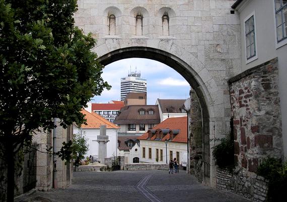 A csodás fekvésű Veszprém második helyével a Dunántúl éllovasa lett.