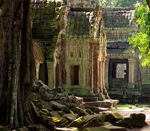 A romváros Kambodzsa fővárosától 240 kilométerre fekszik. Területe 190 négyzetkilométer.