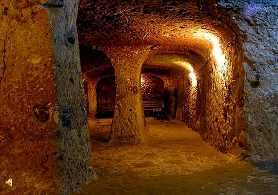 A föld alatti város igen fejlett volt, a szellőzés mellett a vízellátás is megoldott volt.