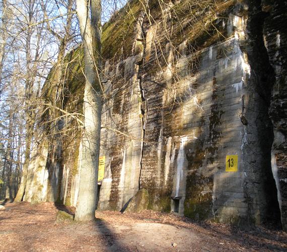 A lengyelországi Ketrzyn határában található a Farkastanya, Hitler hírhedt búvóhelye.