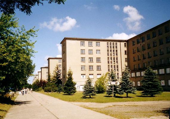 A háború után a szovjetek használták a helyet katonai bázisként.
