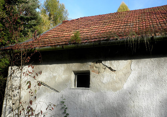 A régi épületek ma rendkívül romos állapotban vannak, tulajdonosaik átadták őket az enyészetnek.