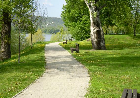 Történelmi emlékek, hangulatos vízparti séták és a Duna-kanyar páratlan látványa - irány Visegrád!