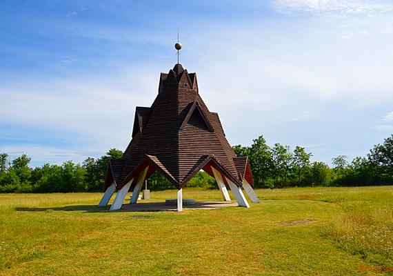 A kiskunsági Homokhátság területén fekvő Pusztavacs 1968 óta hivatalosan is az ország földrajzi középpontja. Kattints ide, és tudj meg róla többet!