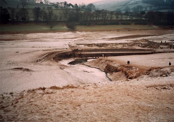 A lerombolt Derwent maradványai ma is a tó mélyén nyugszanak, sőt, arra is volt példa, hogy különösen száraz, nyári időben a felszínre kerültek.