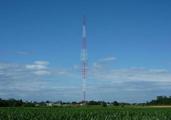 A torony 1928-tól 1977-ig ugyan kisebb megszakításokkal, de működött. Később lebontása mellett döntöttek, ám a heves tiltakozásoknak köszönhetően 1985-ben ipari műemlékké nyilvánították. 2006-ban felújították, és a solti rádió tartaléka lett.