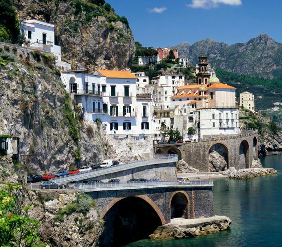 Az olasz Amalfi-partvidék számos film forgatási helyszínéül szolgált, melyek sztárjai is szívesen járnak vissza ide.