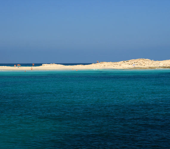 A Spanyolország autonóm tartományának számító Baleár-szigetek ideális búvóhelyek - például Michael Douglas számára is.