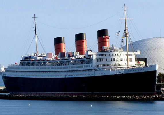 A világ egyik leghíresebb kísértethajója a kaliforniai Long Beachen horgonyzó Queen Mary, melyet mára hotellé alakítottak át. De a turisták egyes részeit így is bejárhatják.