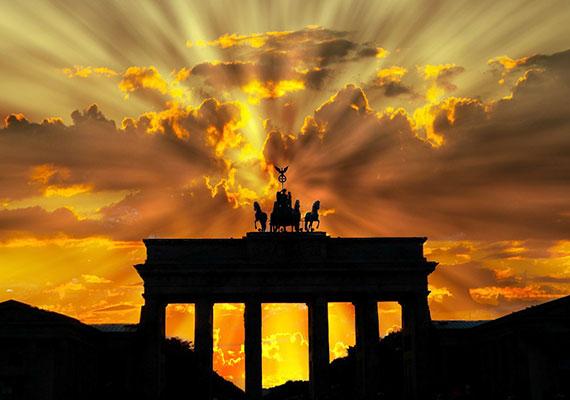 Berlinben 50-50%-os volt az arány, ugyanannyian voltak, akik visszaadták a tárcát, mint azok, akik nem.