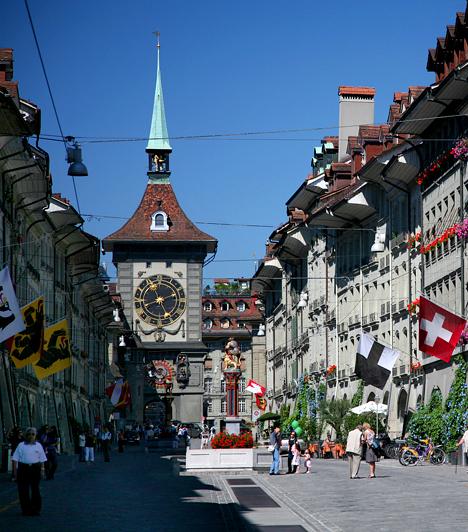 Bern, Svájc  Svájc általánosan is híres lakóinak magas életszínvonaláról és jólétéről, nem véletlen, hogy Bern már a harmadik városa az országnak, mely szerepel a listán. Gazdaságilag is fontos településnek számít, emellett az itt zajló oktatás is világhírű.  Kapcsolódó galéria: Varázslatos svájci ékszerdobozok »