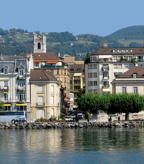 Genf, Svájc                         Svájc második legnagyobb lélekszámú városának, Genf lakosságának nem véletlenül alkotják 44%-át külföldiek. A város csodálatos fekvése mellett számos neves látnovalót tudhat magáénak, emellett több nemzetközi szervezetnek is otthont ad.