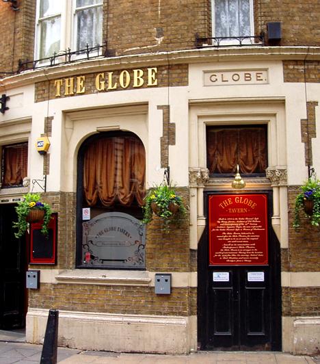 Globe Pub, Nagy-BritanniaA Londonban található Globe Pub épületében, pontosabban afölött tengette szingli napjait René Zellwéger a Bridget Jones naplójának filmváltozataiban. A lakás London egyik legjobb helyén található, körülvéve a legnépszerűbb éttermekkel és kávézókkal, közel a London Bridge állomáshoz.