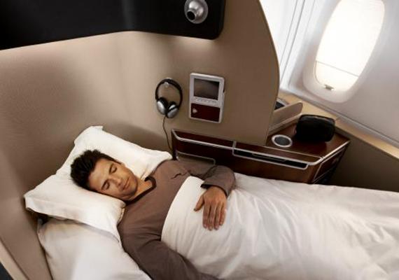 Pihenés a Quantas A380-as járat első osztályán.