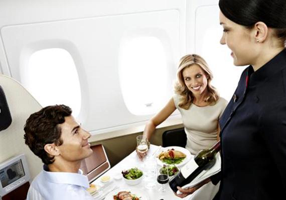 Vacsoraidő a Quantas A380 fedélzetén. Ha szeretnéd tudni, még mely légitársaságok végeztek az élen, kattints ide!