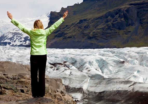 A Global Peace Index szerint Izland a legbékésebb címet is magáénak tudhatja. Izland emellett természeti csodáiról is híres: kattints, és nézd meg a látványos törésvonalat!