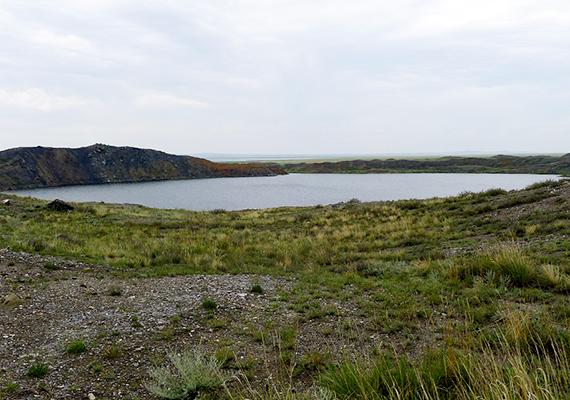 A Kazahsztánban található Chagan-tó krátere is egy nukleáris teszt eredménye, itt 1965-ben robbantottak a szovjetek. A tó még ma is radioaktív.