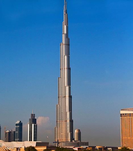 A legmagasabb épületA világ legmagasabb épületévé nem olyan régen az új Burj Dubai vált, mely jelenleg Dubai és az Egyesült Arab Emírségek legnagyobb büszkesége. A 818 méter magas torony 160 emelettel és 56 lifttel rendelkezik.