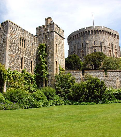 A legnagyobb kastély  Az I. Vilmos király korából fennmaradt Windsori kastély mintegy 45 ezer négyzetméteres területével a világ legnagyobb, valamint Anglia legrégebben lakott kastélya, mely egyben az angol királyi család hivatalos rezidenciája is.  Kapcsolódó cikk: A leghíresebb kísértetkastélyok »