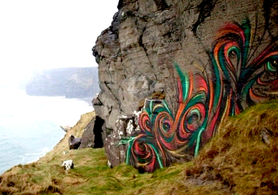 Francia stopposok például úgy gondolták, ha graffiti borítaná egy részét, sokkal érdekesebb volna.