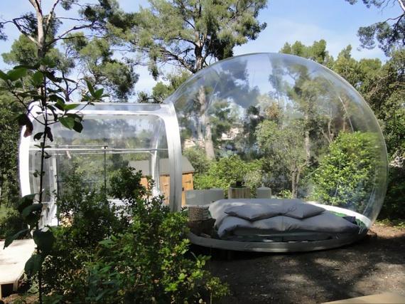 Nem feltétlenül muszáj Ázsiáig és Afrikáig utazni a különlegességekért: ez a buborékszoba például Dél-Franciaországban található, ahol az Attrap'Rêves több hasonló lehetőséget is biztosít a szállóvendégek számára.