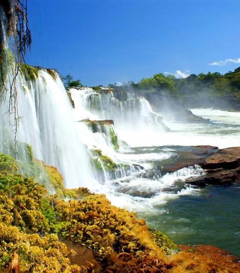 Amazónia Nemzeti Park, BrazíliaA több mint tízezer négyzetkilométernyi területen fekvő nemzeti park az Amazonast övező esőerdők jellegzetes világát tárja az utazó elé. A vízesésekben, pálmákban, kúszónövényekben és orchideákban gazdag esőerdők hangulatát a fák között röpködő színes papagájok, tukánok és kolibrik teszik teljessé.