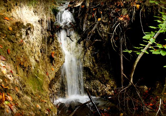 A Gortva-patak völgye számos gyönyörű vízeséssel várja a kirándulókat.